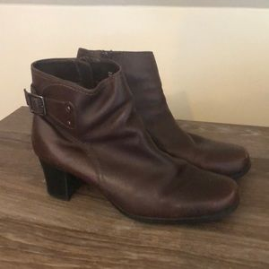 Women's Clarks Boots Size 7.5